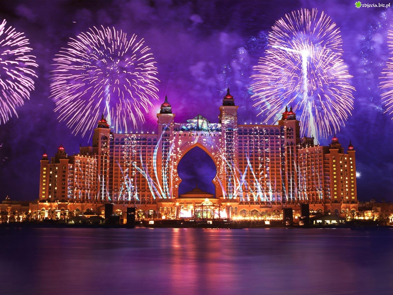 hotel-dubaj-fajerwerki