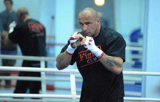 Polski kick-boxer oraz bokser wagi ciężkiej promuje nową kryptowalutę – CryptoInvestia